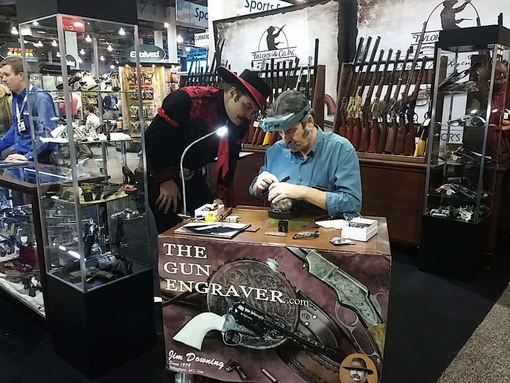 jim downing gun engraver at expo